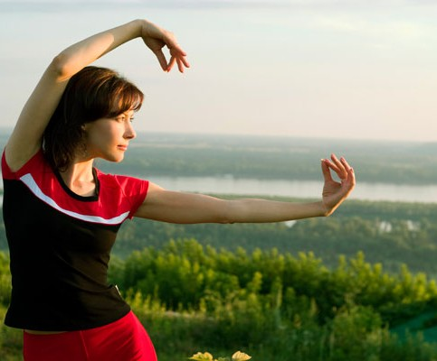 tai_chi_pose_hill_view